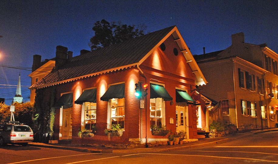 The Red Hen at Night